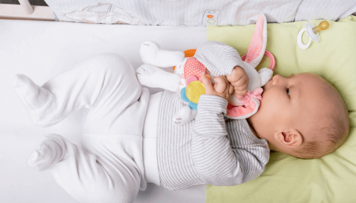 how to keep baby warm in crib